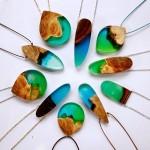 木材と樹脂を組み合わせた神秘的なジュエリーアクセサリー