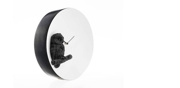 夜行性動物のシルエットが浮かぶ!月のように輝く蓄光時計 (13)