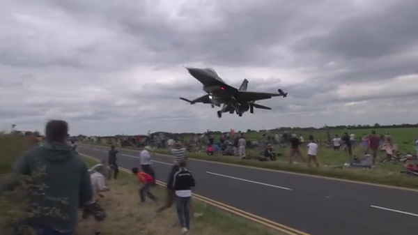 F16着陸