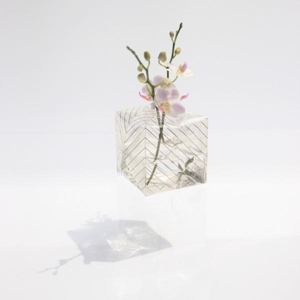 『O2 VASE』折り紙の紙風船みたいに膨らませる可愛い花瓶 (1)
