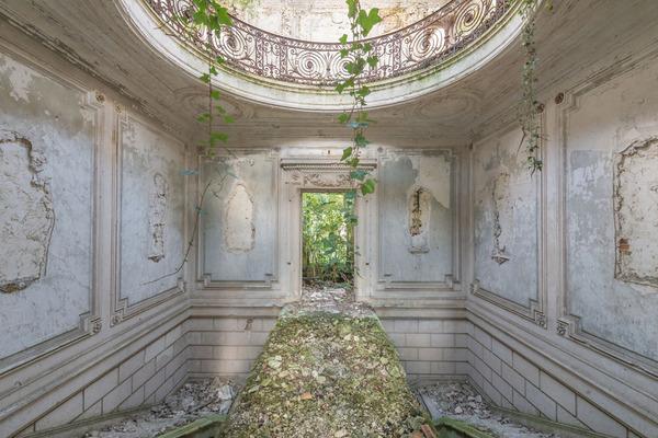 廃墟画像の不思議な魅力。放棄されたヨーロッパの建物 (2)