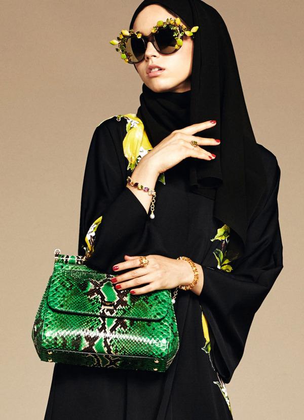 ヒジャブとアバヤのモダンファッション by ドルチェ&ガッバーナ (11)