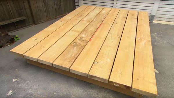 限りなくナチュラル!裏庭に設置する草のベッド (2)