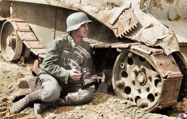 カラー化された白黒写真。第二次世界大戦中WWIIの画像 (8)