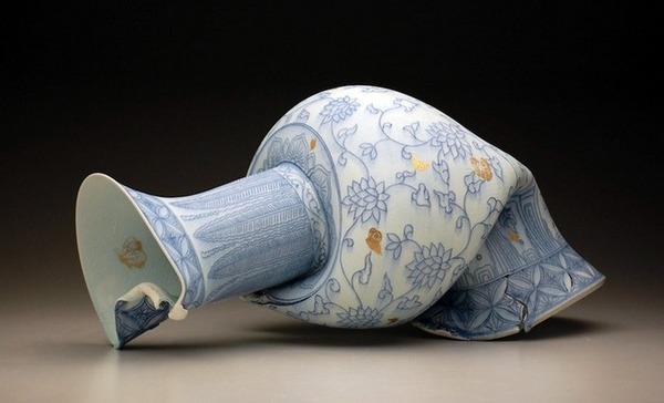 ぐんにゃりぶっ壊れてる!破壊された陶磁器の彫刻作品 (9)