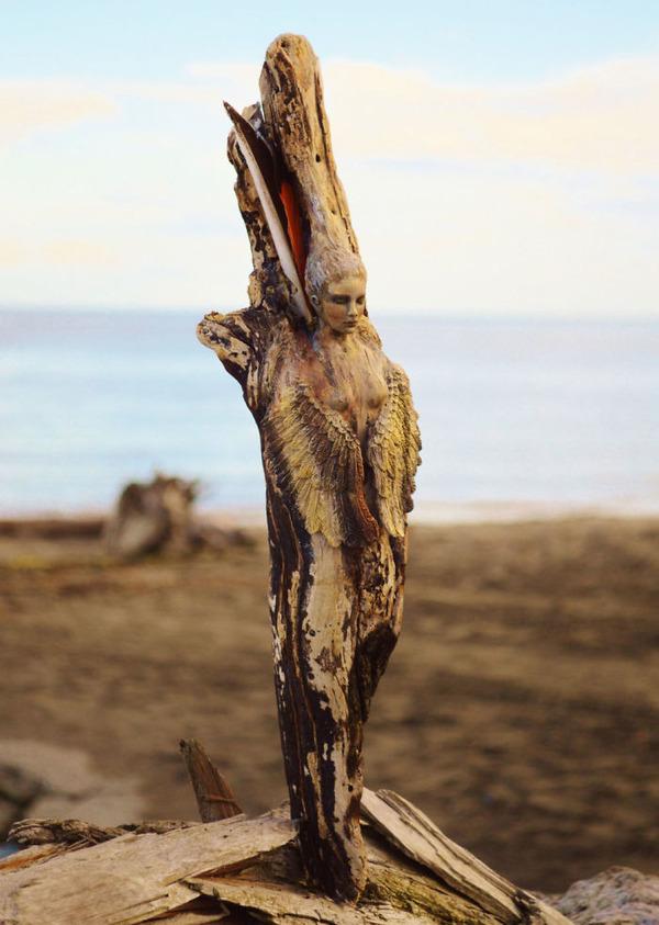 ロマサガのボスっぽい…流木に宿る女性彫刻! (1)