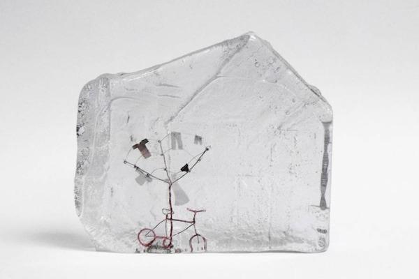ガラスの中のミニチュア。氷に閉じ込められたような凍結世界 (8)