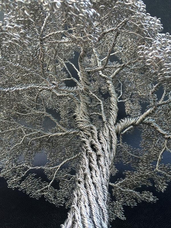 金属線で作られる樹の彫刻アート (8)
