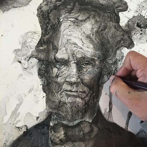 インクを注ぎ、飛び散らせてカオスなイラストレーションを描く (3)