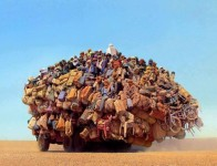 どう見ても荷物の積み過ぎ!過負荷だけど安定してる凄い乗り物たち
