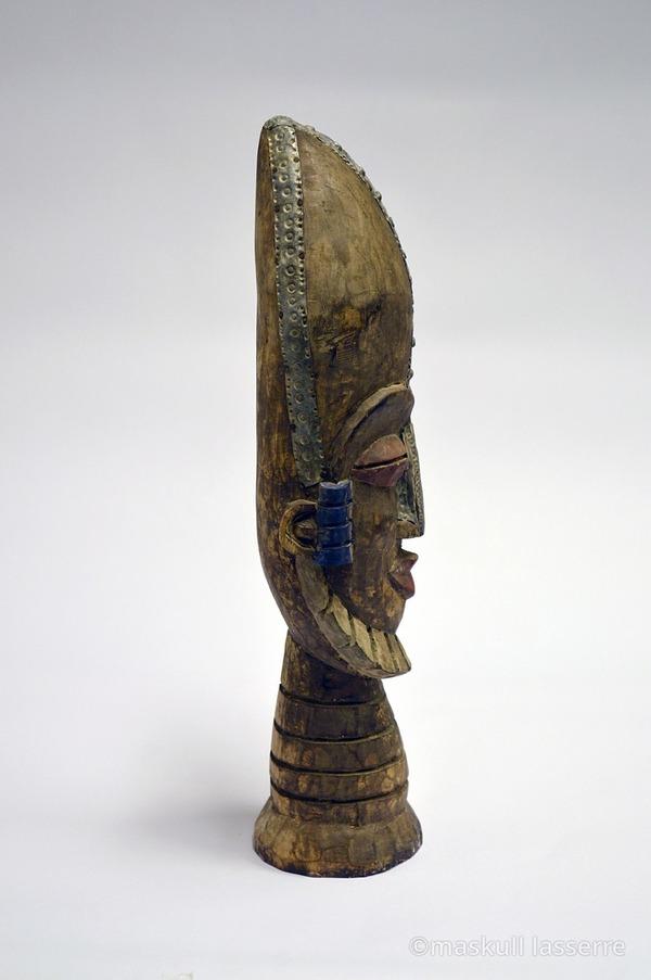 木彫りの骸骨彫刻 Maskull Lasserre 7