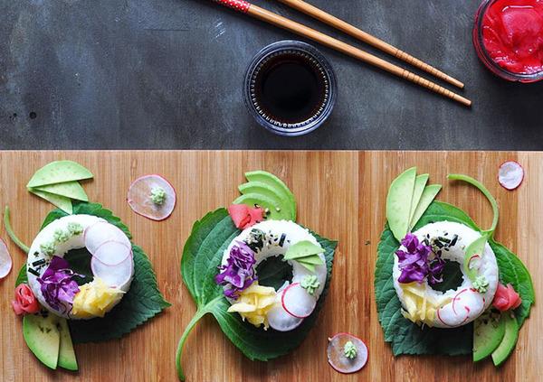 なかなか華やか。外国人が作った寿司ドーナッツ! (3)