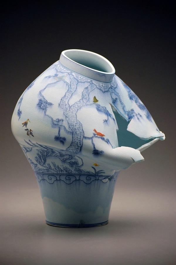 ぐんにゃりぶっ壊れてる!破壊された陶磁器の彫刻作品 (5)