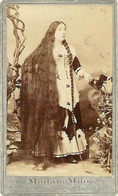 昔の人は髪の毛が超長い!ビクトリア朝の女性の白黒写真 (10)