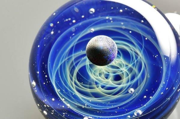 ガラスの中に宇宙!幻想的なペンダントトップ『宇宙ガラス』 (11)