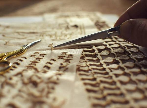 ウールやシルクから作られた骨格標本アート (8)