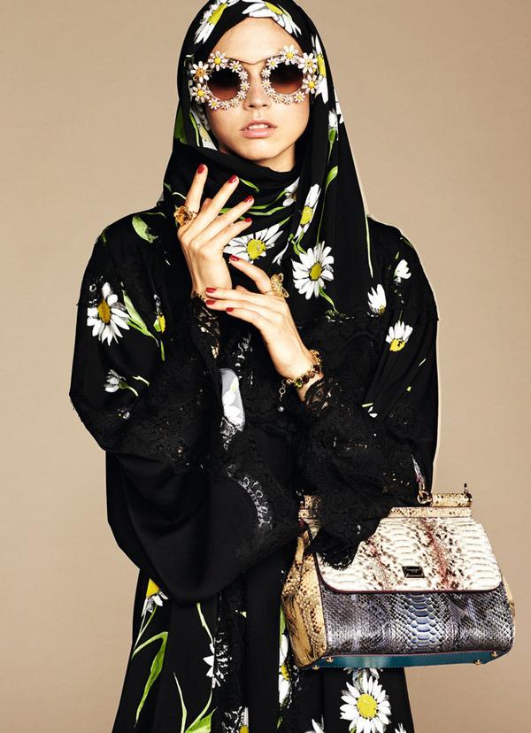 ヒジャブとアバヤのモダンファッション by ドルチェ&ガッバーナ (1)