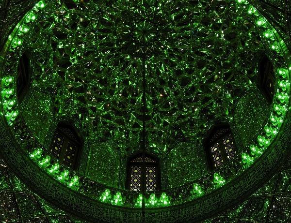 シャー・チェラーグ廟!超煌びやかなモスクの内装 (4)