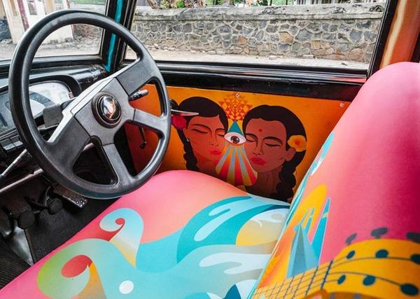 明るい気分で乗車できる!超カラフルなインドのタクシー (15)