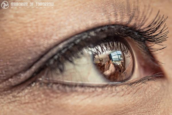 瞳に反射して映る結婚式の風景を撮影した『Eyescapes』 (10)