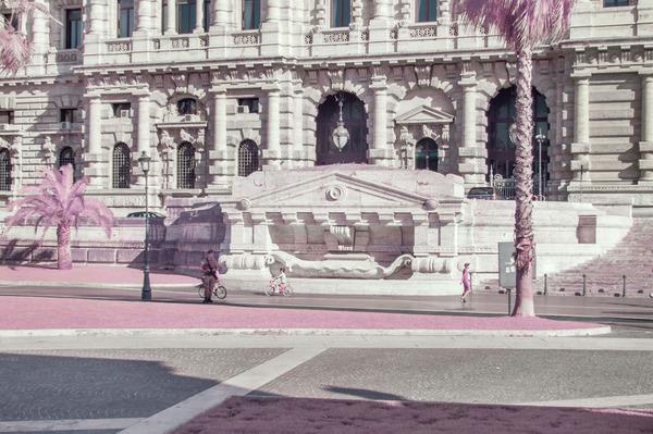 赤外線カメラで撮影されたイタリア・ローマの景色が幻想的 (11)