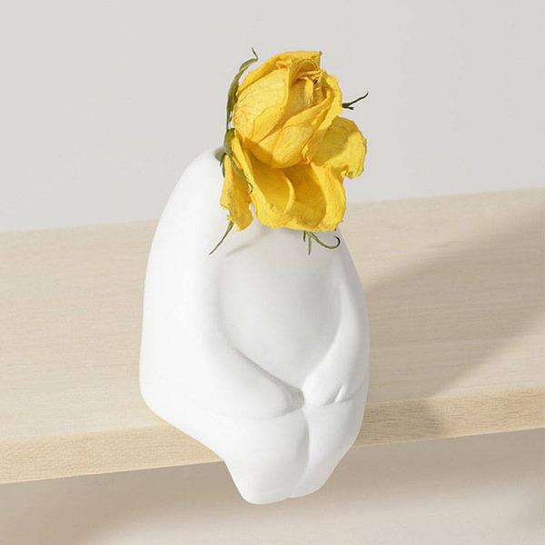 一輪の花を飾るための人型花瓶『フラワーマン』 (3)