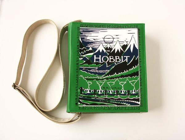 小説をモチーフにした本のバッグがかわいい (10)