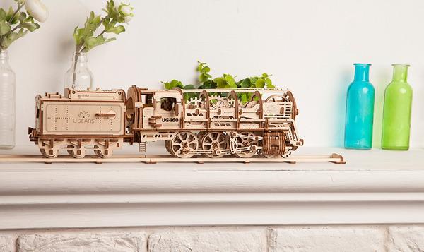 天然木材で接着剤なしで動く機関車模型 (5)