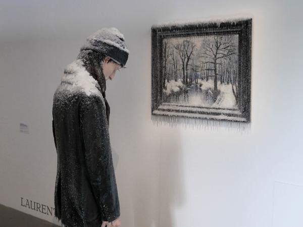 凍えるような寒さが伝わってくる!等身大レプリカと絵画の展示 (5)