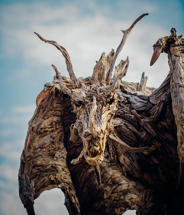 流木で作られたドラゴンの彫像,彫刻 2