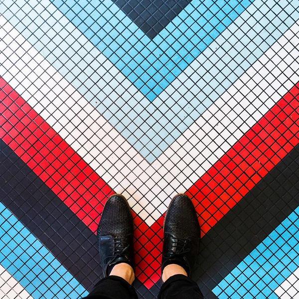 パリは床もお洒落だった!足元に広がる様々なデザインパターン (3)