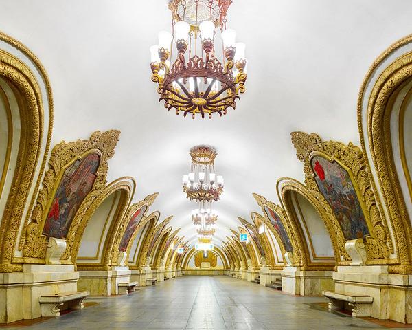 建築美!宮殿のように豪華で美しいロシアの地下鉄の画像 (10)