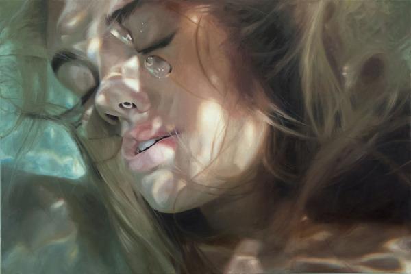水の中の記憶。水中を漂う女性を描いた油絵 (7)