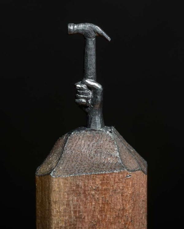 手先器用すぎ!機関車他、鉛筆の芯に彫る超小さな彫刻 (6)