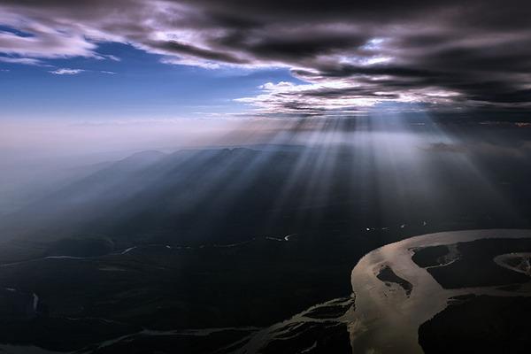 コックピットから撮影された壮大な空の写真 (7)