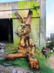 粗大ゴミを再利用して描かれた壁画動物!エコストリートアート