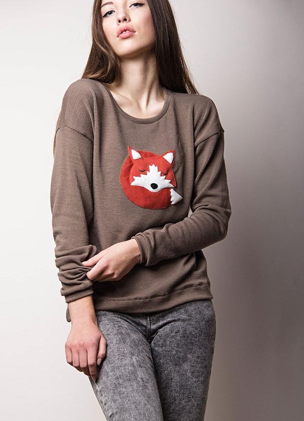 キツネのセーター