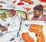 明るい気分で乗車!超カラフルなインドのタクシー