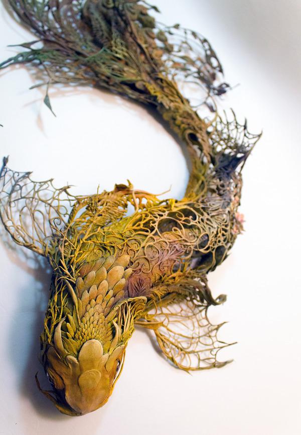 コイの彫刻アート