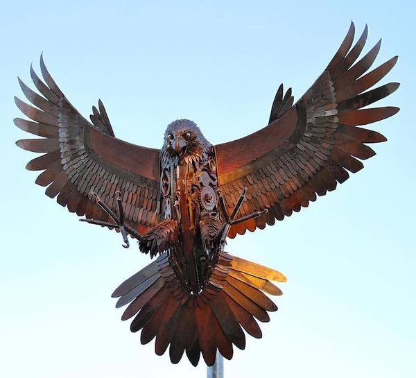 スクラップ金属で作る動物の彫刻がメカっぽくて格好良いよー (3)