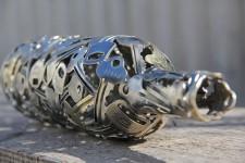 古い鍵やコインを使いインテリアを作る!金属彫刻のリサイクルアート