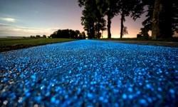 夜になると青く光る自転車の通り道!in ポーランド