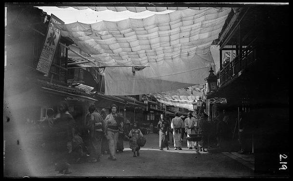 約100年前、明治時代に撮られた白黒写真。日本人の日常を映す (2)