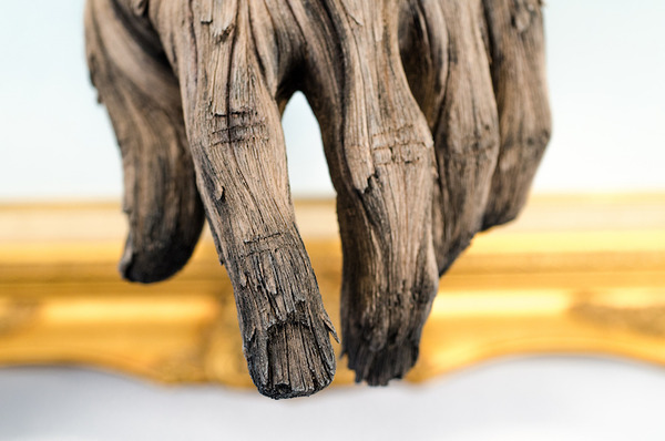 木材の彫刻に見えるセラミック彫刻 (17)
