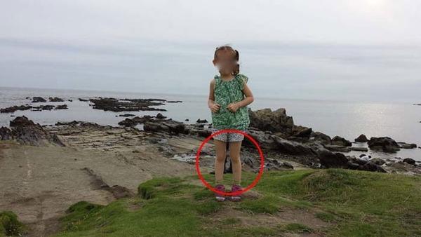 少女の心霊写真 2