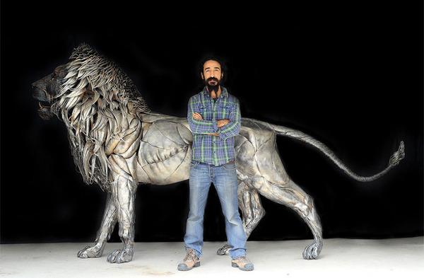 鋼鉄のライオン彫刻、アスラン by Selçuk Yılmaz 9