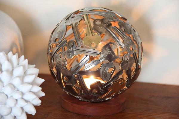 金属彫刻のリサイクルアート michael-moerkey 11