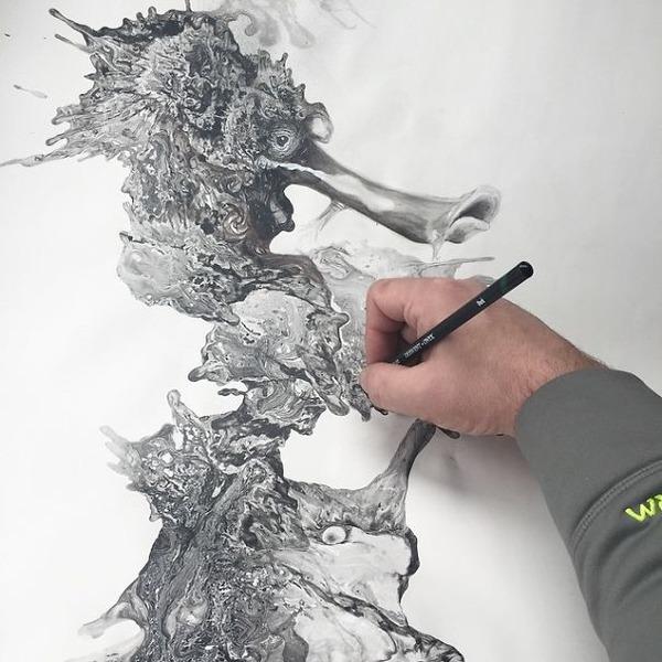 インクを注ぎ、飛び散らせてカオスなイラストレーションを描く (4)