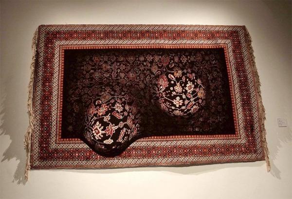 歪む、溶ける、飛び出す!不思議な形をした絨毯 (5)