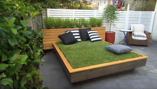 限りなくナチュラル!裏庭に設置する草のベッド (1)